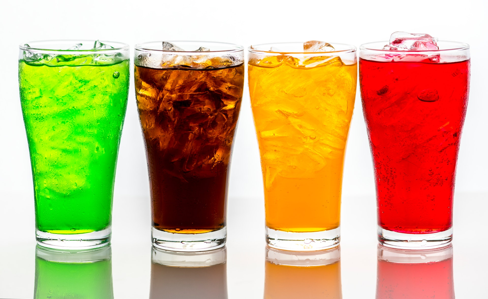The Dangers of Acidity in Beverages on Teeth - Popular but Harmful Drinks